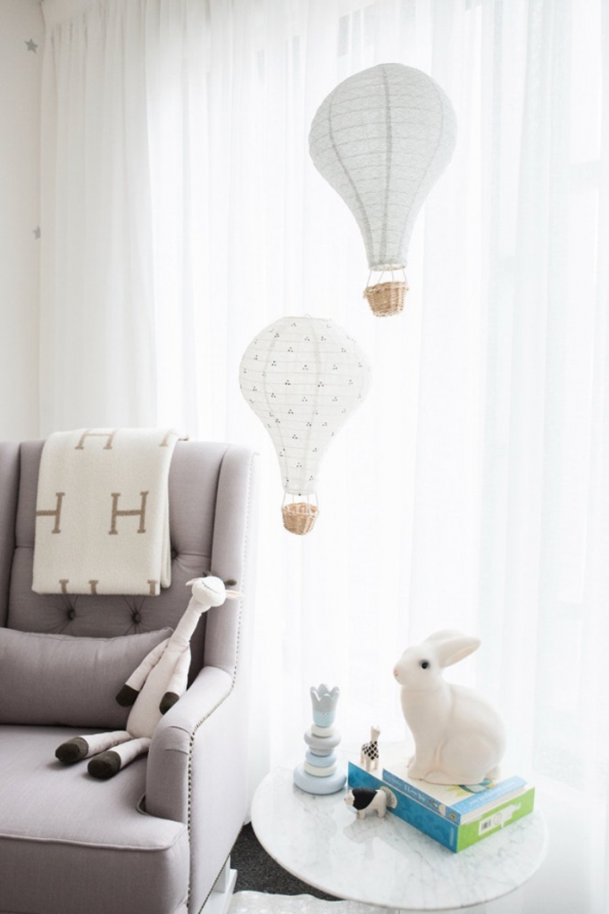 Light pendants in the shape of hot air balloons for a child's bedroom